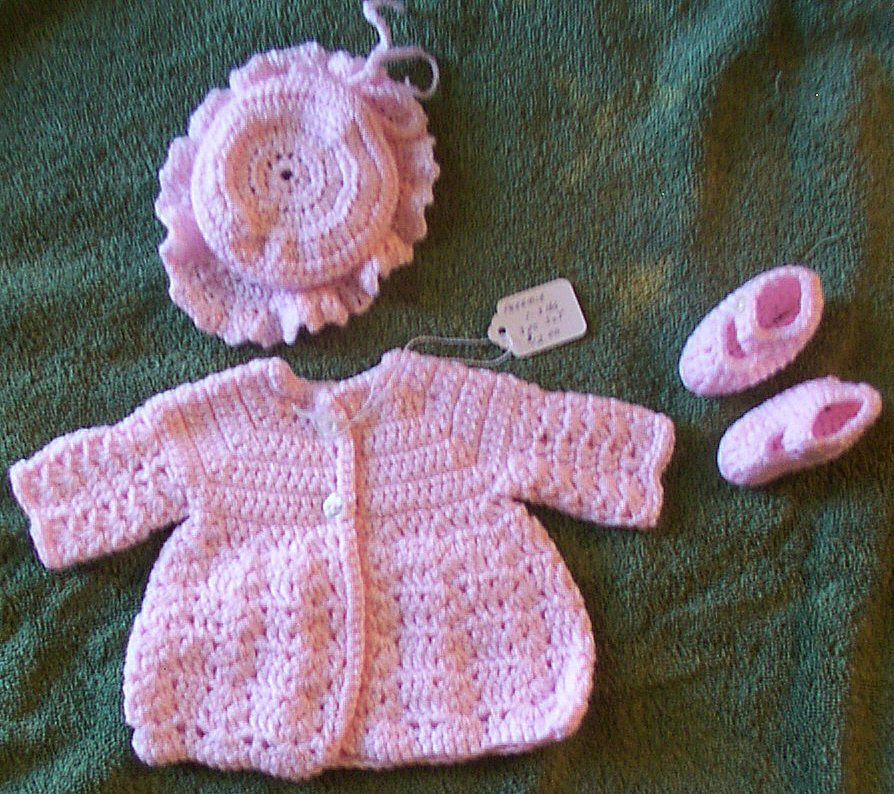 318x223 Pink Preemie Sweater Set